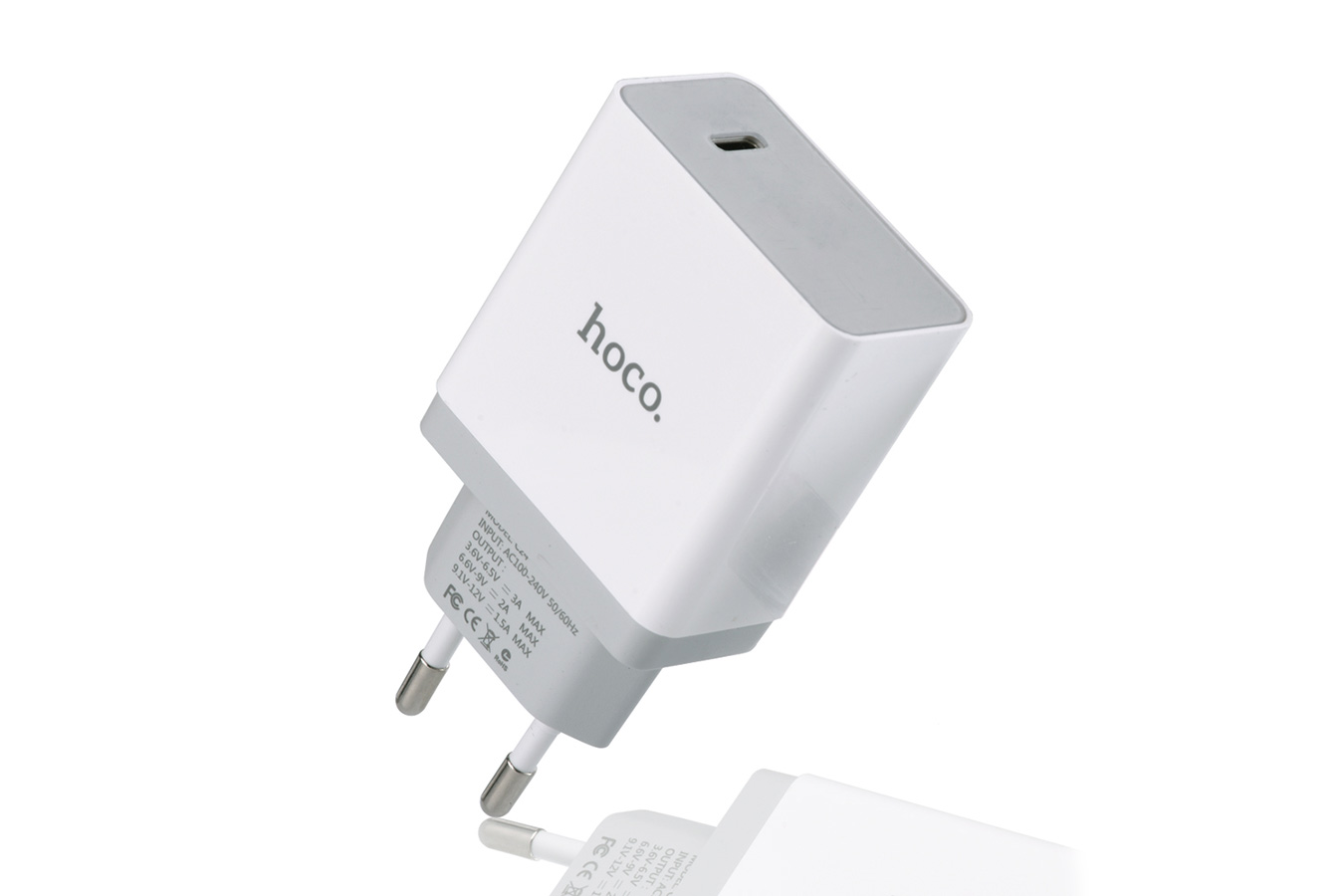 Зарядка Hoco C24 Type-C Quick Charge 3.0 белого цвета